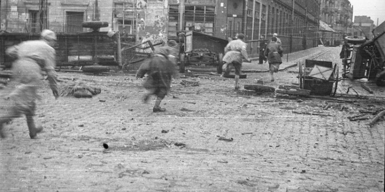 Families to Celebrate Seder in Warsaw Ghetto for First Time Since 1943